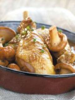 Fricassée de poulet aux girolles