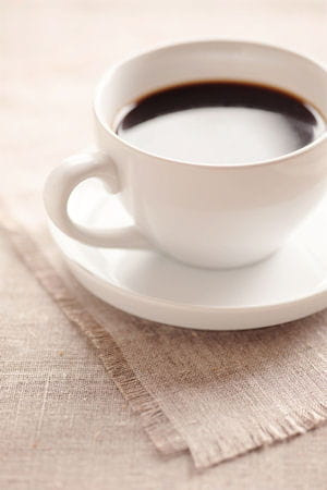 le caf est peu calorique 10 id es re ues sur les calories journal des femmes. Black Bedroom Furniture Sets. Home Design Ideas