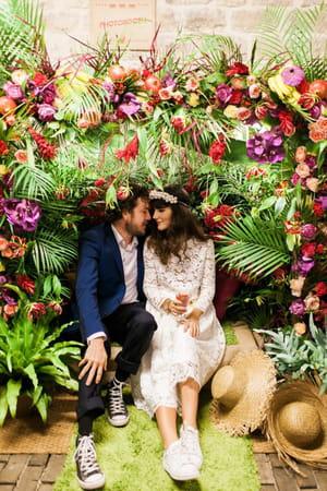 un d cor tropical photobooth 20 id es originales pour votre mariage journal des femmes. Black Bedroom Furniture Sets. Home Design Ideas