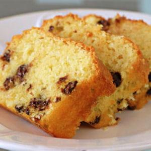 cake à l'amande, pommes et pépites de chocolat
