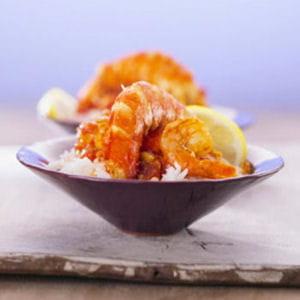soupe de gambas épicée au riz et au curry