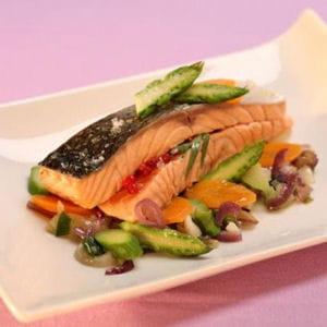 paupiettes de saumon à l'estragon et pointes d'asperge