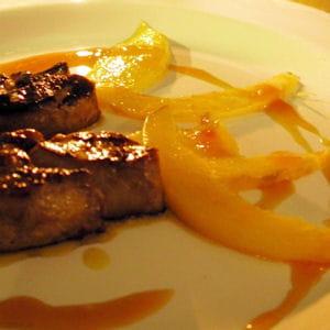 foie gras poêlé à la mangue et jus d'orange