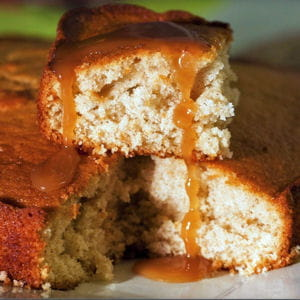 gâteau moelleux au sirop d'érable et à la cannelle
