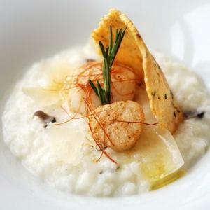 risotto à la truffe noir, saint-jacques poêlées