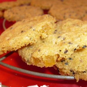 cookies au sésame noir et au gingembre confit