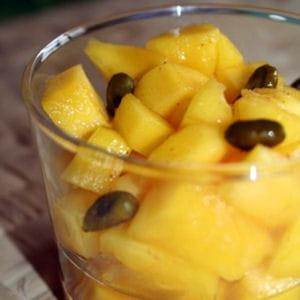 tartare de mangue, pistaches et sirop rhum-orangé