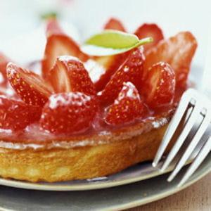 tarte fraise-rhubarbe à la menthe