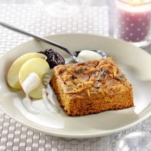pudding aux pommes, pain d'épices et pruneaux