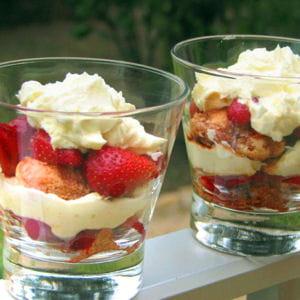 verrines de fraises balsamiques au banyuls