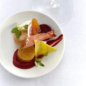 betteraves multicolores, confites et crues, artichauts épineux croquants,