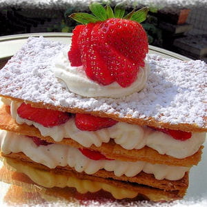 millefeuille fraises chantilly 35 desserts pour la f 234 te des m 232 res journal des femmes
