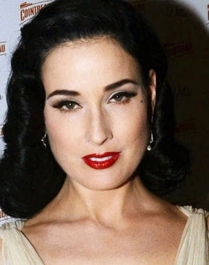dita von teese  la soire cointreau de londres en novembre 2011. 