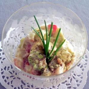 cocktail de crabe à l'avocat et à la fève tonka