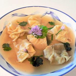bouillon de raviolis chinois aux crevettes