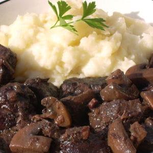 Daube de cerf aux pruneaux 15 recettes pour cuisine le - Cuisiner du marcassin ...