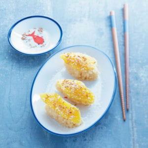 sushis de riz au lait à la mangue