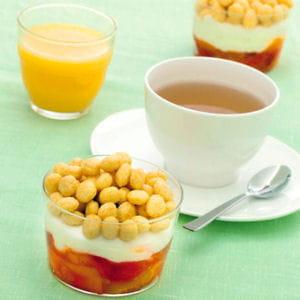 billes de céréales au miel, fromage blanc, pêche
