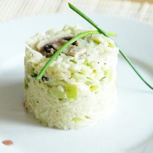 riz sauté aux poireaux et aux champignons