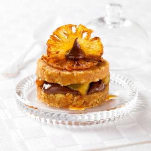 écrasée de palets bretons, chocolat et ananas caramélisé