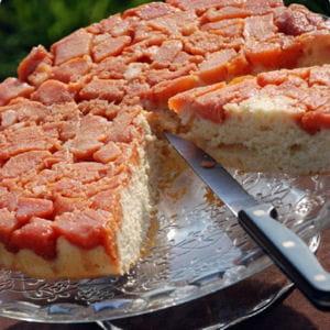 gâteau renversé aux coings pochés