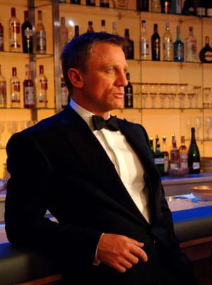 en 2006, james bond boit un château angélus de 1982 dans casino royale.