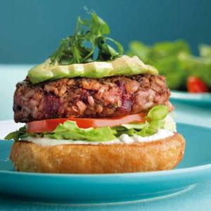 burger végétarien du camion qui fume