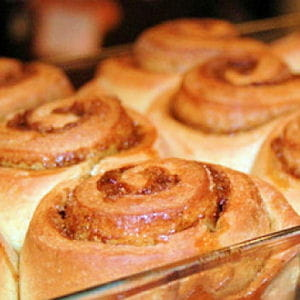 cinnamon rolls (biscuits roulés à la cannelle)