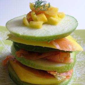 millefeuille pomme verte, avocat, mangue et saumon