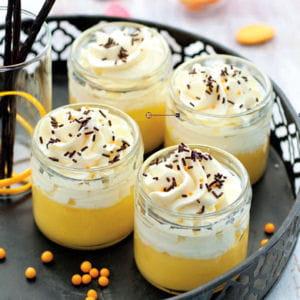 petits pots de crème orange curd et chantilly à la vanille