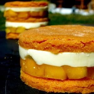 snack de panna cotta, mangue et sablé à la muscade