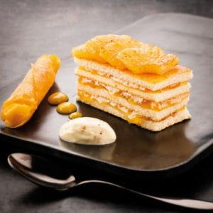 ananas rôti, confiture à la vanille et espuma passion