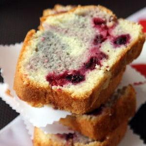 cake aux fruits rouges léger comme la neige