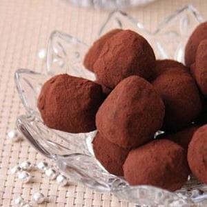 truffes au chocolat noir 30 recettes de truffes. Black Bedroom Furniture Sets. Home Design Ideas