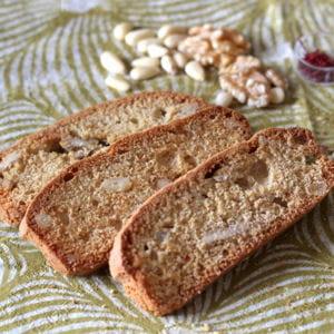 biscotti au safran, miel, pignons et noix