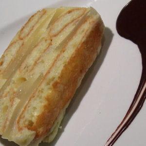 charlotte aux poires et à la crème d'amandes