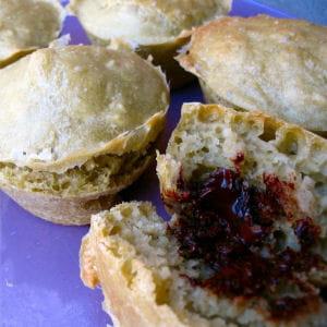 muffins au thé matcha, coeur au chocolat