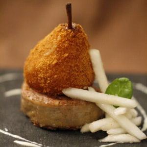 poire rôtie en robe de pain d'épices, andouillette