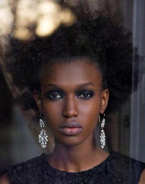 Coupe de cheveux 2013 court afro coupe de cheveux auto design tech - Coupe afro femme ...
