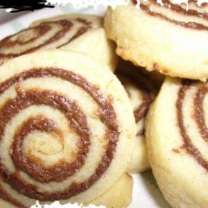 biscuits roulés au chocolat noir et praliné