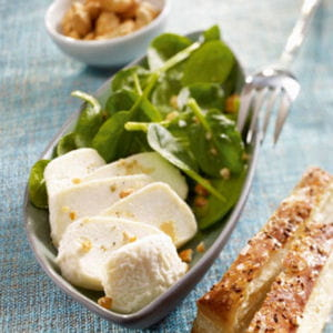 salade de crottin de chèvre et épinards frais