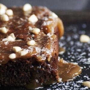 biscuit au deux chocolats et crème au caramel