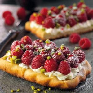 tarte au mascarpone et aux framboises, coulis de fruits au vinaigre balsamique