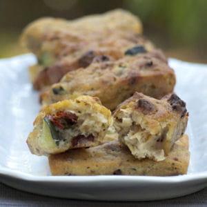 cake sans œuf, sans lactose et sans gluten au sarrasin, à la courgette et aux