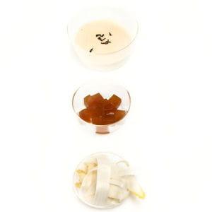 soupe d'asperges blanches, gelée au thé darjeeling de printemps