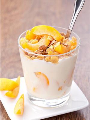 les abricots sont délicieux en verrines pour accompagne un fromage blanc.