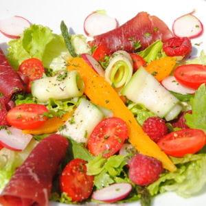 salade tomates, carottes, radis, courgettes, framboises