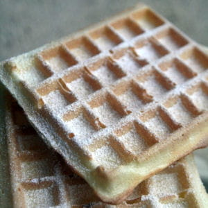 Gaufres croustillantes sans beurre 45 recettes de g teaux faire avec les enfants journal - Gaufre sans beurre ...