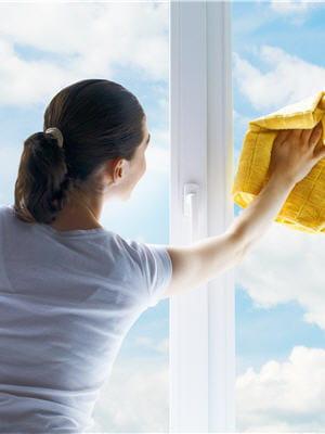 Nettoyer les vitres 20 mani res de br ler 200 calories journal des femmes - Alcool a bruler pour nettoyer les vitres ...