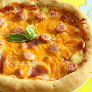pizza façon hot dog au gouda